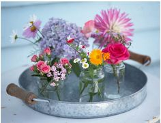 flowers_on_tray