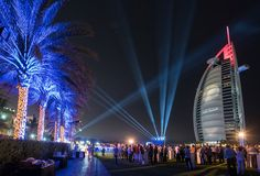 Welcome to Dubai City By Christine Draeger  Dubai is located on the Persian Gulf coastline of the United Arab Emirates, directly within the Arabian Desert.