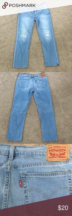 LEVI boyfriend cut blue jeans LEVI STRAUS boyfriend cut jeans! They are Capri length and super cute! Levi's Jeans Boyfriend