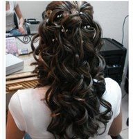 Wedding is the time to wear the best hairdo and makeup. Check the trendy wedding hairstyles for a diva look. Whether you're looking for Boho wedding hairdo, hairstyle with a veil or wedding hair for long or curly hair, we've got you covered. Hairdo Wedding, Wedding Hairstyles For Long Hair, Wedding Hair And Makeup, Pretty Hairstyles, Hair Makeup, Prom Hairstyles, Wedding Curls, Latest Hairstyles, American Hairstyles