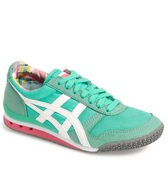 love these retro mint sneakers http://rstyle.me/n/vynfdr9te