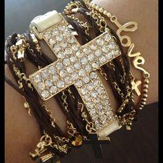 StyleLoveLiving / Cross Charm Wrap Set
