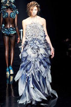 Yiqing Yin Couture Fall 2012 Couture