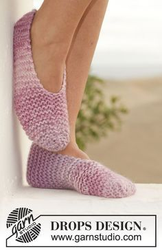 "Knitted DROPS slippers in garter st in 2 strands ""Big Delight"". DROPS Design"
