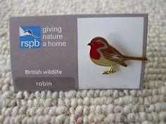 RSPB-BRITISH-WILDLIFE-ROBIN-ENAMEL-PIN-BADGE-ON-CARD