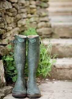 numb  wet feet on a winter  morning.  .smell  of  porridge when coming  into the  farmhouse
