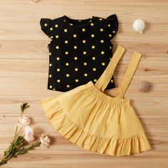 Baby / Toddler Polka Dots Top and Suspender Skirt Set Kids Dress Wear, Dresses Kids Girl, Kids Outfits Girls, Girl Outfits, Toddler Outfits, Baby Girl Fashion, Kids Fashion, Fashion Hacks, Toddler Fashion