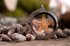 Twikle, twinkle little star, on a chain, inside a jar...