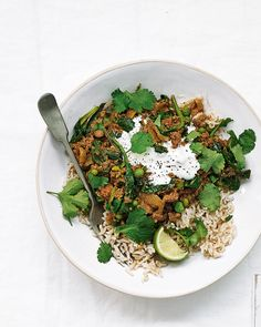 We've used beef mince, spinach, frozen peas and fragrant spices to make this easy Indian-style curry. Serve with rice or naan breads for a healthy weeknight dinner. Keema Recipes, Curry Recipes, Mince Recipes, Savoury Recipes, Beef Keema, Cooking Recipes, Healthy Recipes, Healthy Food, Meal Recipes