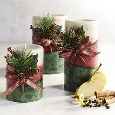We combined savory spiced apples, sugared cinnamon and a touch of lemon zest to evoke the flavor of a delicious apple crisp—all in pretty hand-molded candles sized to fit your favorite holders.
