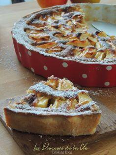 Tarte aux pommes normande gourmande Fancy Desserts, Köstliche Desserts, Dessert Recipes, Tart Recipes, Apple Recipes, Sweet Recipes, French Recipes, French Sweets, Desserts With Biscuits