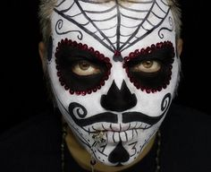 Halloween Schminke für Männer - gruselige Idee