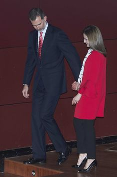 Queen Letizia of Spain Photos Photos - King Felipe VI of Spain and Queen Letizia of Spain attend the acreditations ceremony for honorary Spain 'Brand Ambassadors' at the Reina Sofia Museum on  March 14, 2017 in Madrid, Spain. - Spanish Royals Deliver Acreditations To The New Spain Brand Honorary Ambassadors