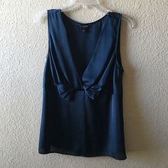 Similar - Low V BR top. Mine has a braided section under bra line.
