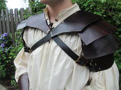 Mittelalterliche Entweihten Leder Schulterpanzer von FolkOfTheWood
