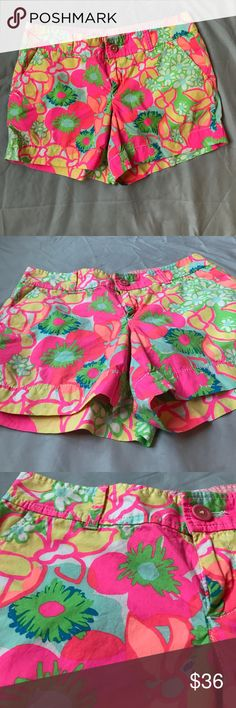 🌼🌼🌼Lilly Pulitzer Callahan Shorts Lilly Pulitzer Callahan Shorts size 6. Perfect for summer!! Great condition. Zipper and button closure. Pockets in front and back Lilly Pulitzer Shorts