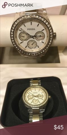 Fossil ES 2821 Women's CLEAR BAND STAINLESS Fossil ES 2821 Women's CLEAR BAND STAINLESS CENTER LINK FOSSIL ES 2821 CLEAR, needs battery. Fossil Accessories Watches