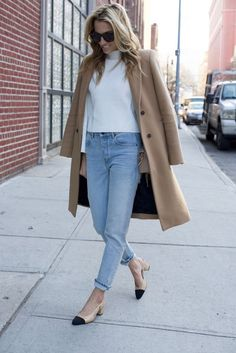 Chanel Slingbacks- NYC Street Style- Alexander Wang Jeans - 5 of 13 Mode Outfits, Casual Outfits, Fashion Outfits, Womens Fashion, Fall Winter Outfits, Autumn Winter Fashion, Slingback Chanel, Slingback Shoes, Best Street Style