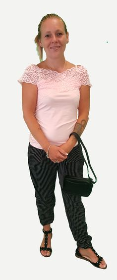 Scoor de complete outfit Sweet Surprize inclusief 10% korting voor maar € 89,95 compleet met topje, broek, schoenen en tas. GRATIS VERZENDING!!