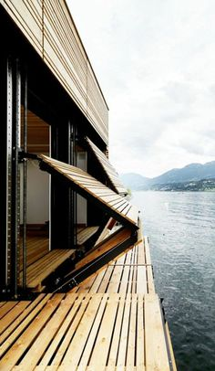 Wooden privacy screen for a great exterior design! Wooden Cladding Exterior, House Cladding, Design Exterior, Interior And Exterior, Architecture Details, Interior Architecture, Outdoor Shutters, Modern Garage, Tiny House Cabin