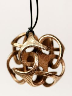 Geometric intertwining pendant in bronzed by KallaKreations