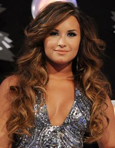 loose curls   Valentine's Day Hairstyles For Romantic Look   Fashion Fame