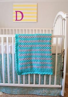 Love the colors in this blanket! Pattern and photo step-by-step tutorial to make this cute crochet granny stripe blanket! Grannies Crochet, Baby Afghan Crochet, Crochet Blanket Patterns, Crochet Stitches, Baby Afghans, Crochet Blankets, Cute Crochet, Crochet Crafts, Crochet Hooks