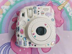 Camera Polaroid - Shooting Great Photos Is Just A Few Tips Away Polaroid Instax Mini, Fujifilm Instax Mini 8, Fuji Instax, Polaroid Cameras, Cute Camera, Camera Art, Camara Fujifilm, Camera Painting, Photography Camera