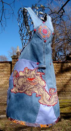 Recycled overall apron (visit:flicker.comMissSewsitallphotos)