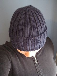 Ribbed Watchman's Hat by Channah Koppel This hat can be made either on 2 straight needles or else on one circular needle, in which case you'll need dpn's for the last few rounds of the crown. Free Pattern http://www.ravelry.com/patterns/library/ribbed-watchmans-hat