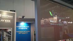 Video projekce na okno nebo skleněnou příčku? Žádný problém. I toto lze uskutečnit na tyto Smart Fólie. Více se dozvíte na www.m-light.cz Smart Glass, Film, Design, Movie, Film Stock, Cinema, Films
