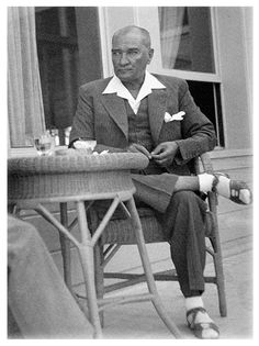 The most stylish men ever lived. Turkish People, Turkish Army, Cradle Of Civilization, The Turk, Great Leaders, Ottoman Empire, Erdem, Historical Pictures, The Republic