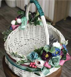 Wedding Gift Baskets, Trousseau Packing, Wicker Picnic Basket, Marriage Decoration, Spring Design, Flower Girl Basket, Mini Scrapbook Albums, Basket Decoration, Easter Wreaths