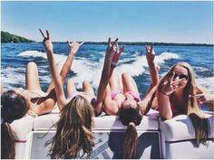 Image via We Heart It https://weheartit.com/entry/168849679/via/28485038 #beach #bff #friends #summer #travel #trip