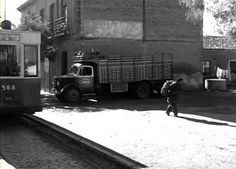 Avda de Carabanchel Alto Foto Madrid, Spain, Trucks, War, The Neighbourhood, Pegasus, Truck, Cars