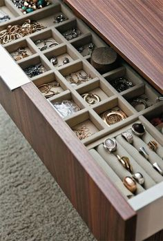 Organizador# de cajones para tus joyas.