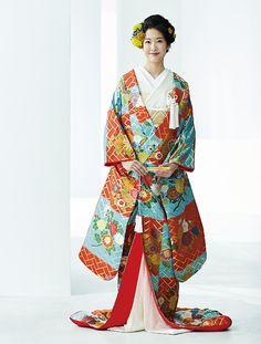 打掛スタイル百花繚乱 | ウエディング | 25ans(ヴァンサンカン)オンライン Wedding Kimono, Japanese Characters, Character Outfits, Hanfu, Japanese Kimono, Asian Beauty, Collection, Textiles, Fashion