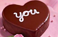 Mini-Herz-Kuchen - Kuchen & Co. für den Valentinstag - Zutaten für eine kleine Herz-Springform (11 cm Ø) Für den Teig: 40 g Weizenmehl 1 Msp. Dr. Oetker Original Backin 40 g Zucker 20 g weiche Butter oder Margarine 1 Ei (Größe M) 2 EL Milch Für die Deko: etwa 40 g Dr...