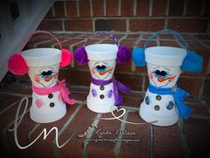 I've decided to keep my adorable hand painted flower pot people photos here. This gives me a place to share the Flower Pots that I've done. Flower Pot Crafts, Clay Pot Crafts, Shell Crafts, New Crafts, Holiday Crafts, Clay Pot Projects, Autumn Crafts, Diy Clay, Craft Projects