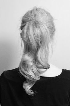 retro wave ponytail. simple. fashion. cute. style. hair. blonde. long. beautiful.