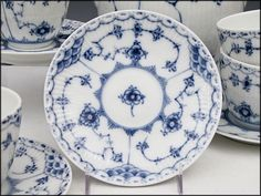royal copenhagen blue fluted half lace - Google Search Royal Copenhagen, China Patterns, Flute, Blue And White, Google Search, Peony, Chinese Patterns, Flutes, Tin Whistle