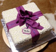 Geschenk Torte - gift cake