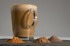 How To Make Pumpkin Spice Lattes At Home? Coffee Mix, Easy Coffee, Coffee Club, Spiced Coffee, Chai, Blended Coffee Drinks, Homemade Iced Coffee, How To Make Pumpkin, Diy Pumpkin