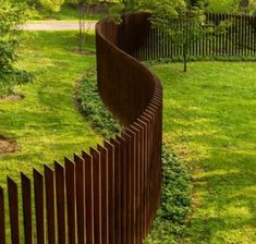 Looking for ideas to decorate your garden fence? Add some style or a little privacy with Garden Screening ideas. See more ideas about Garden fences, Garden privacy and Backyard privacy. Pallet Privacy Fences, Garden Privacy Screen, Garden Fencing, Garden Beds, Privacy Screens, Pergola Screens, Backyard Privacy, Backyard Patio, Steel Fence