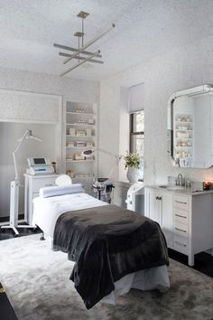 Your source for esthetician schools info and training options! Learn where to find the best esthetician schools and training programs, what the average salary is, and how to start your new career off in the right direction. Home Beauty Salon, Beauty Salon Interior, Beauty Salons, Salon At Home, Beauty Salon Design, Deco Spa, Spa Room Decor, Home Spa Room, Home Decor