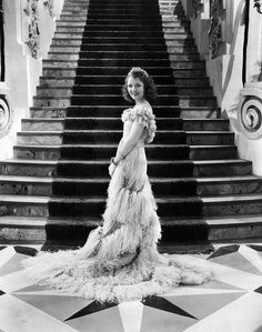 janet gaynor height