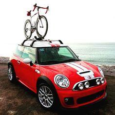 Mini Cooper S with mountain bike rack. I really like the rally lights too. My Dream Car, Dream Cars, Indoor Bike Rack, Mini Countryman, Mini Clubman, Mini Copper, John Cooper Works, Mini Things, Small Cars