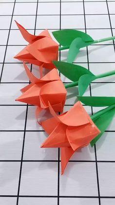 Instruções Origami, Origami Rose, Paper Crafts Origami, Origami Paper Folding, Origami Ideas, Oragami, Paper Flowers Craft, Paper Crafts For Kids, Diy Crafts Hacks