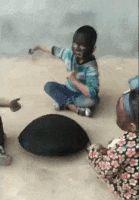klinci-se-igraju-ugljem.gif (139×200)