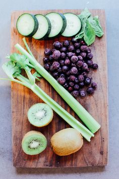 Juice Recipes for Glowing Skin – Kiwi Blueberry Juice